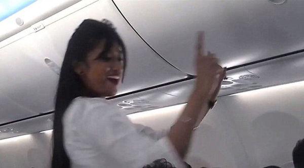 印航机组人员空中热舞