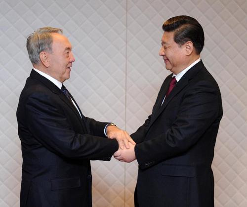 习近平会见哈萨克斯坦总统纳扎尔巴耶夫图片