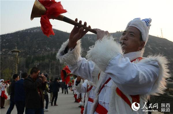 陕北民间艺术探访:唱民歌说书吹唢呐