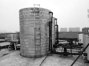 楼顶储水箱明明抽的满满的一会就有没水是咋回事图片