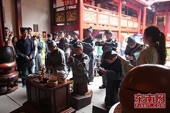 福州三坊七巷再现茶帮拜妈祖民俗活动