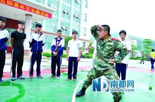 55名高中生走进惠州