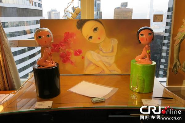 """由上海诺易雕塑展出的室友和性感""""性感女郎""""系列v雕塑:李晶的)我(绘画画廊表姐v0.8图片"""