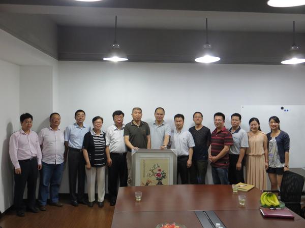 李显扬副校长一行访问厦门海益建材工业有限公司