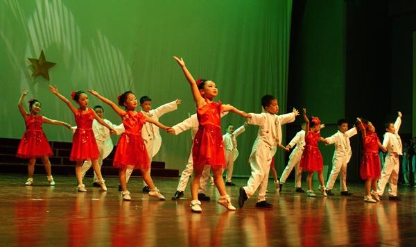小学举办庆祝六一国际儿童节文艺汇演|音乐剧|舞蹈