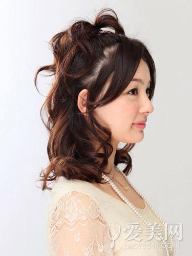 [夏季发型中长发扎法]中长发发型扎法 六步骤展现轻熟感 _帮5买