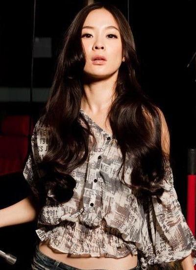 霍思燕示范气质发型 唯美长发光彩照人