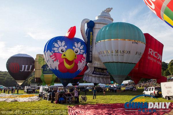 各种卡通造型热气球(图片来源:东方ic)