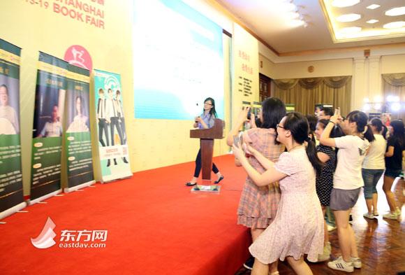 """2014上海书展:""""网络文学会客厅""""人气爆棚(图)"""