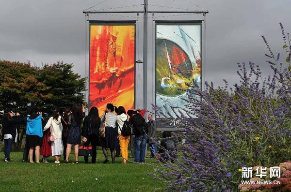 户外展板,参加在法国第二大主题公园——未来影视城
