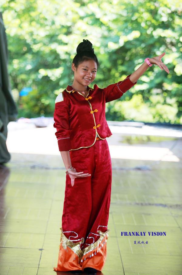 广西明仕田园:多才多艺的壮家青春少女 - 闲云野鹤 - 闲云野鹤的博客