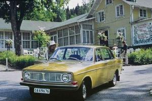 沃尔沃144型汽车.但40年过去了,汽车仍在跑,但钱依旧没有付高清图片