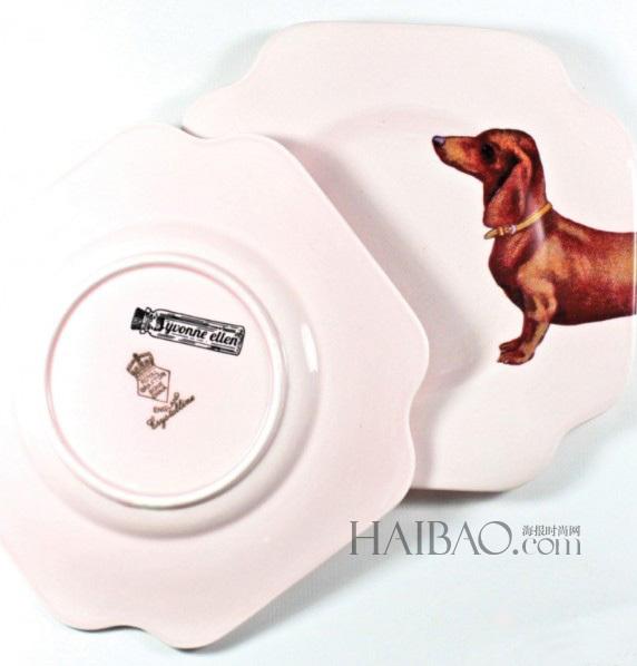 英国设计师Yvonne Ellen动物元素餐盘作品 平时的家具餐盘,看起来只有盛菜的功能,但是如果花上一点点小心思的话,它们还能提供调理每天心情的重要作用哦!跟编编一起欣赏来自英国设计师Yvonne Ellen之手的创意餐盘吧!