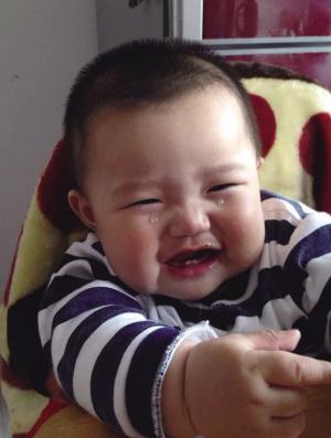 连笑带哭|宝宝|委屈_凤凰资讯