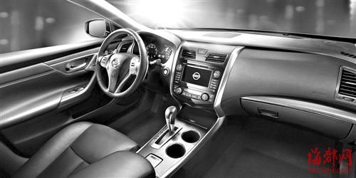 新天籁车内舒适空间科技内饰