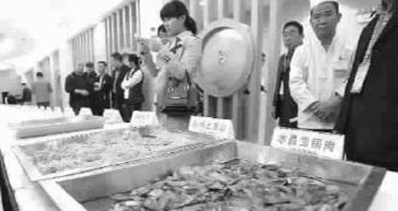 ■ 参赛的菜品既便宜又好吃 本报记者 孙中钦 摄