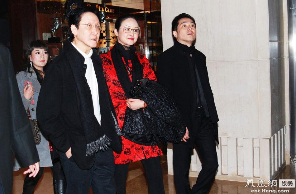 张玉珊分手后,向华胜与现任太太端木樱子相恋,二人于2009年在法图片