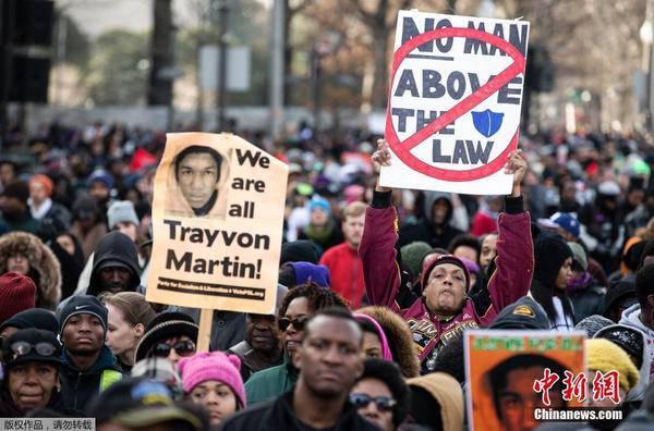 美国多地爆发新一轮示威游行 抗议警方种族歧视