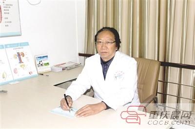 华:外科专家,华西医院业务副院长.院方供图-谭长华 与死神赛跑