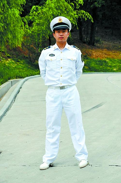 07式海军士官夏常服55式军服50式军服65式军服85式军服-黑飘带蓝披图片