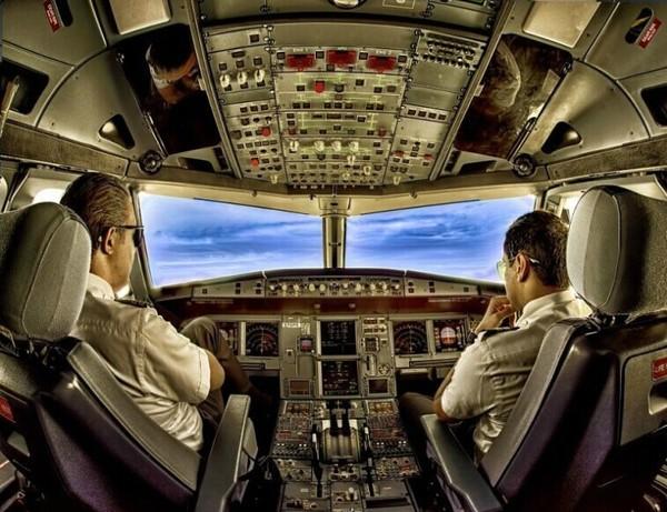 飞机驾驶舱的别样景色