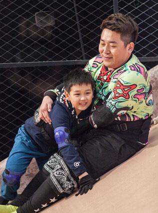 王艳和球球参加变形计 王艳儿子变形计视频