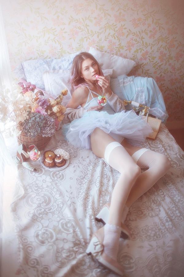 极致梦幻的性感青涩少女私房照|女性|法国 凤凰