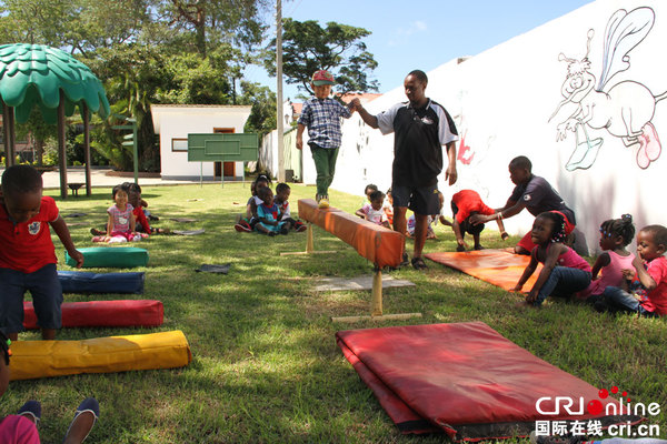访津巴布韦东方国际学习中心幼儿园:孩子的自信最重要