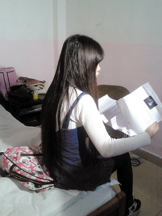 14岁少女三次怀孕 - 点击图片进入下一页