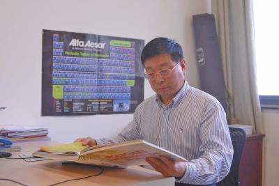 河南药学家苦行23年研发抗肝癌药 可替代现有