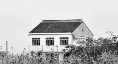 范木根和他家的房子(资料图片)。