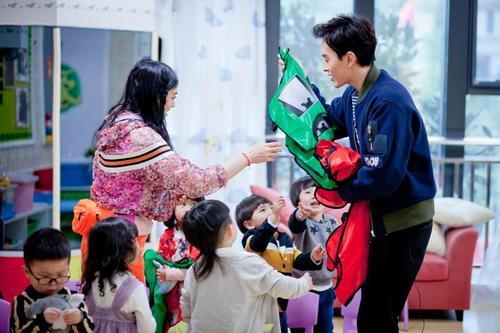 爱上幼儿园_爱上幼儿园舞蹈视频