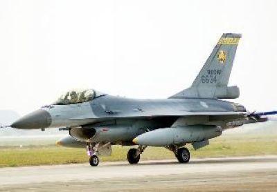台军F16战机升级配备先进狙击荚舱 以实现精确攻击