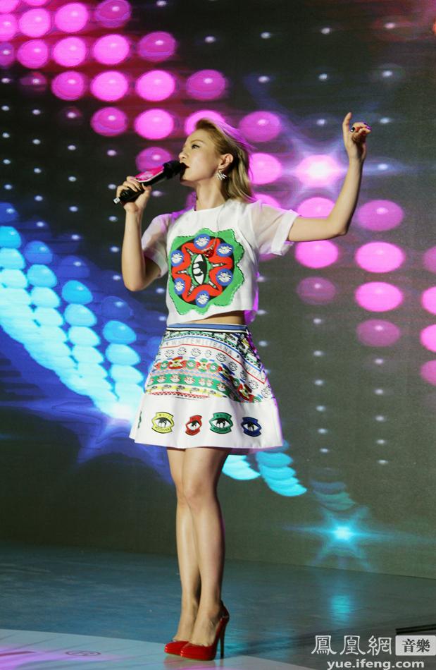 """8月23日\""""2014年度蒙牛酸酸乳musicradio中国top排行榜系..."""