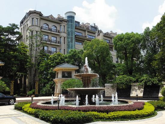 整个社区的建筑呈欧式设计风格