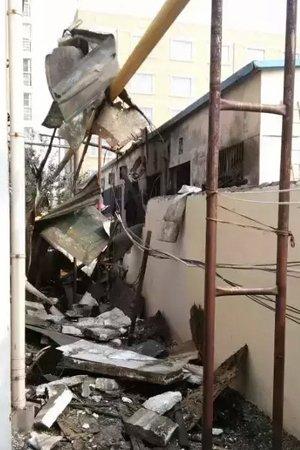 爆炸现场。微博截图