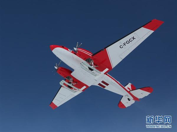 中国首架极地固定翼飞机在南极成功试飞