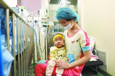 两岁女孩患罕见血液病 血液病有哪些症状