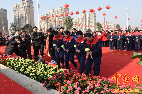 全国最高的一尊毛主席铜像揭幕仪式在山东后八村举行(组图) - 上海阿陶 - 上海阿陶的博客