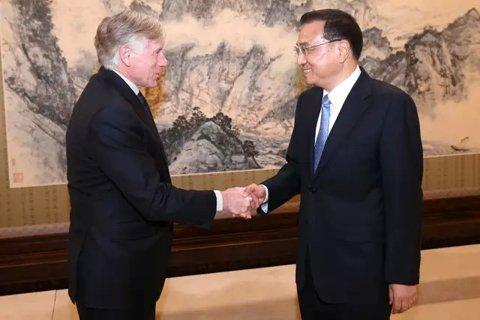 国务院总理李克强6日下午在中南海紫光阁会见美国哥伦比亚大学校长、法学教授布林格。图/新华社