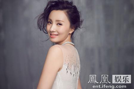 [明星爆料]陶虹时尚大片曝光 千面女王惊艳惹眼