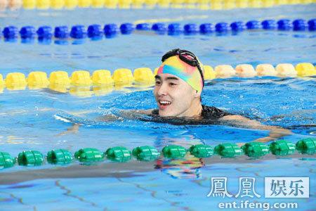 [明星爆料]《了不起的挑战》泳池总动员 阮经天速度爆发挑战了不起