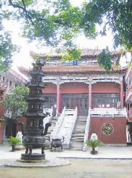 东洲岛上的罗汉寺. 资料图片