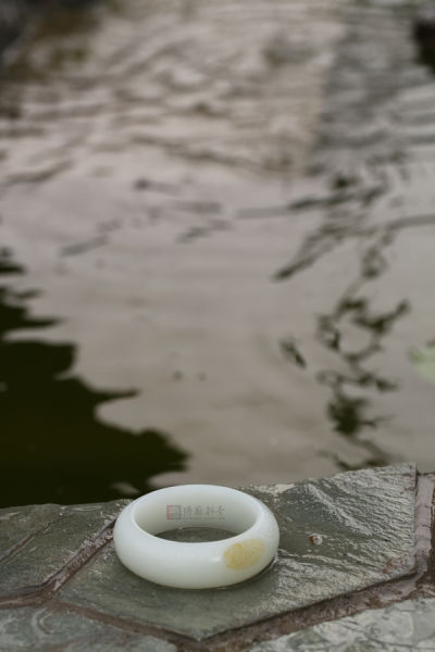 苏州玉雕名家 林光作品 和田玉籽料白玉手镯 直径58mm 129g