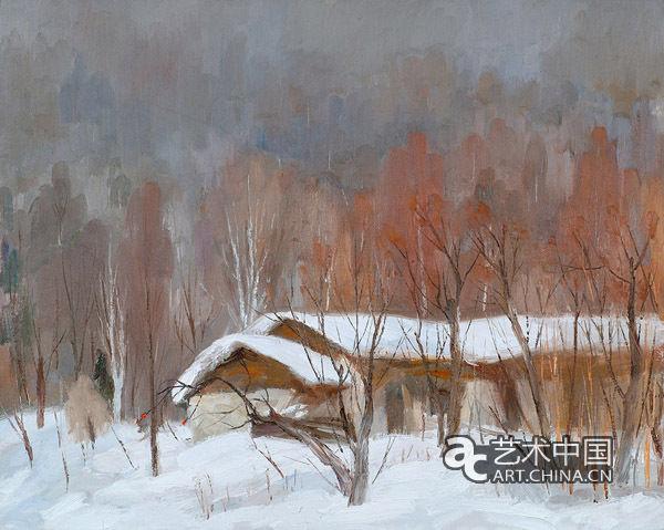 100-101《雪乡》80x100cm2011 人物聚合散落,星星点点的色彩使他们已经作为风景的一部分,有机融入了整个画面,使观众体验到浓浓的欧洲风情。另外一些作品则强化了开阔的空间与大面积的色域和谐:云朵、天空、陆地、树木、房屋非常和谐地融为一体,细微变化的灰色色系的运用使之具有地道的油画趣味,而画面传递出的沉静气质,也是画家心景的自然流露。 崔雄近期的风景画带有更加主观概括的意识,逐渐从自然主义的摹写中剥离出来,也从他早期喜用的对比强烈的用色方法中走出来。他更用心寻找一种色彩之间的细微差别和画面的整