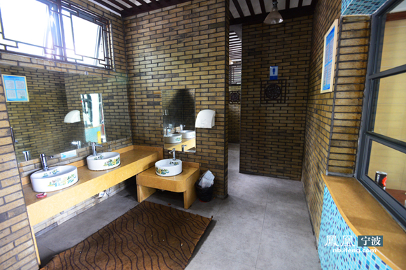 中式公共厕所内部装修