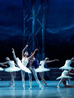开幕式演出-古巴国家芭蕾舞团芭蕾舞剧《天鹅湖》