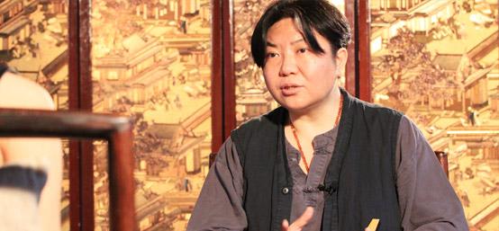 """田沁鑫首回应刘晓庆""""亲嘴门"""":我们相互有情欲在"""