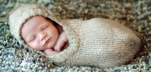 宝宝超可爱睡姿 新生儿哪种睡姿最好?