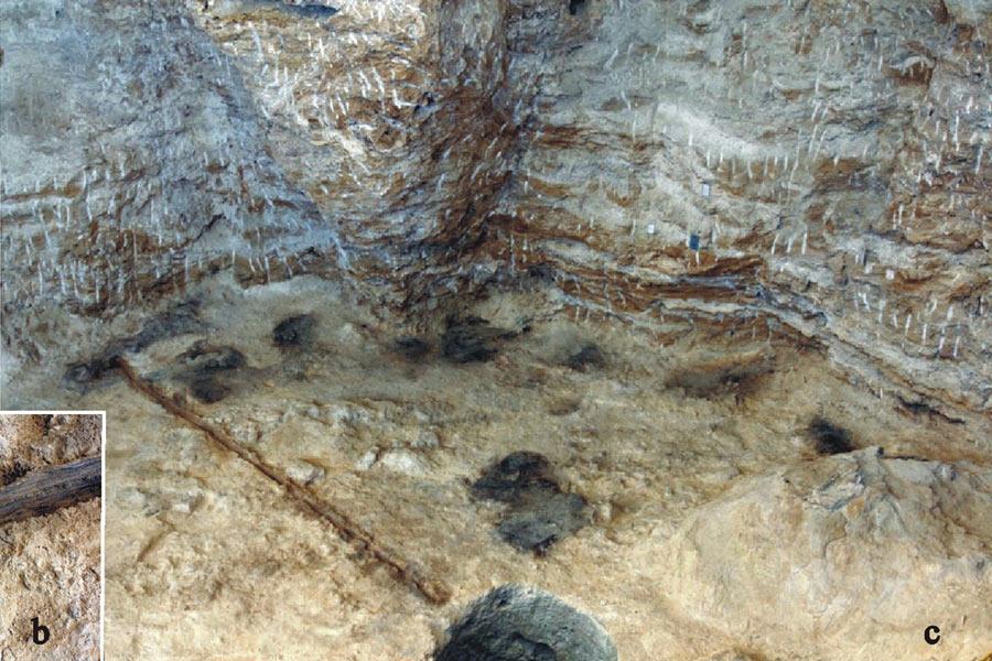 10万年前,尼安德特人居住在直布罗陀,19世纪首批尼安德特人骨骼残骸被发现,科学家在哥尔罕的洞穴发掘到了尼安德特人使用的石器工具,有锤子、刮刀、和用于剥开甲壳类动物的工具。